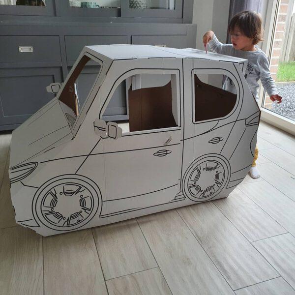 Kartonnen auto voorbeeld
