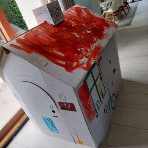 Kartonnen speelhuis voorbeeld