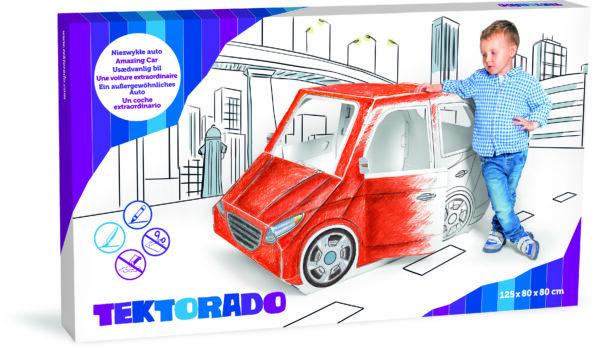 Auto van karton om mee te spelen en in te kleuren