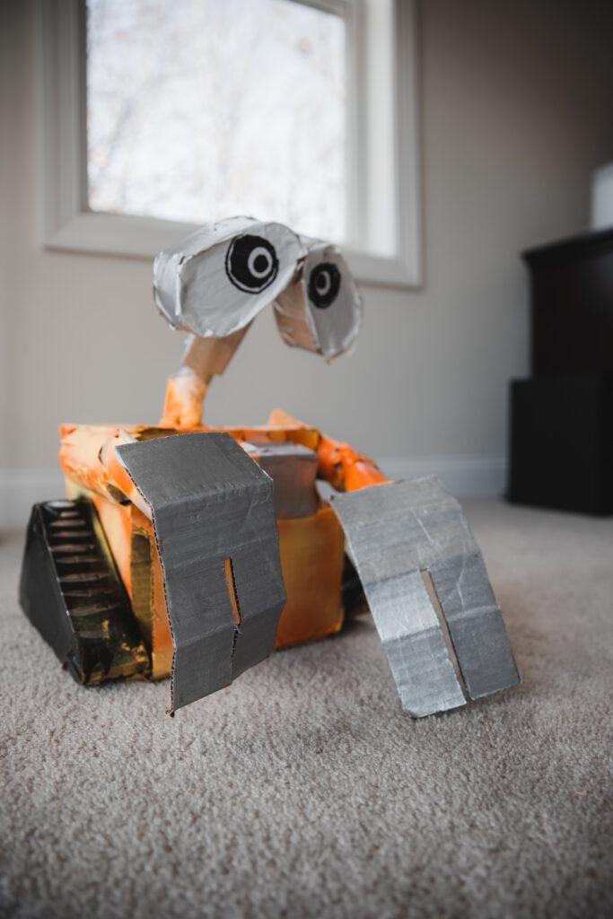 Duurzaam knutselen robot van karton