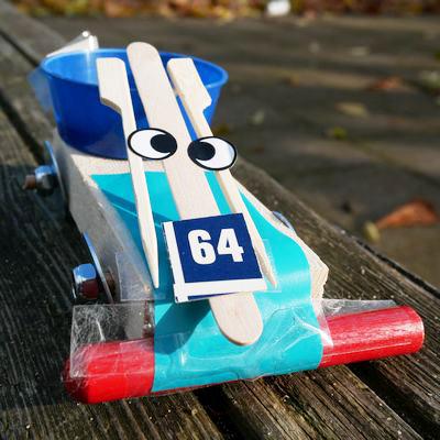 Pakje plezier raceauto knutselen met restmateriaal