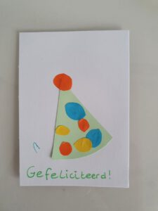 Zelfgemaakte verjaardagskaart door kind