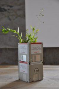 Upcycle floppies naar een bloempot